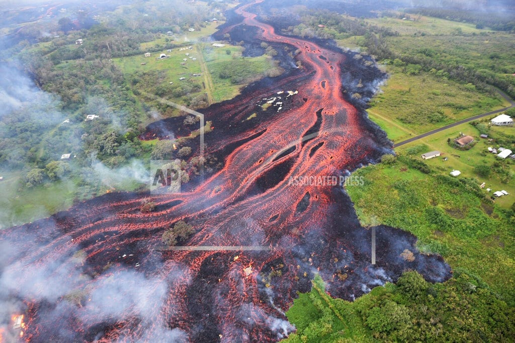 HONOLULU | Hawaii searches for safe spots for people to see lava