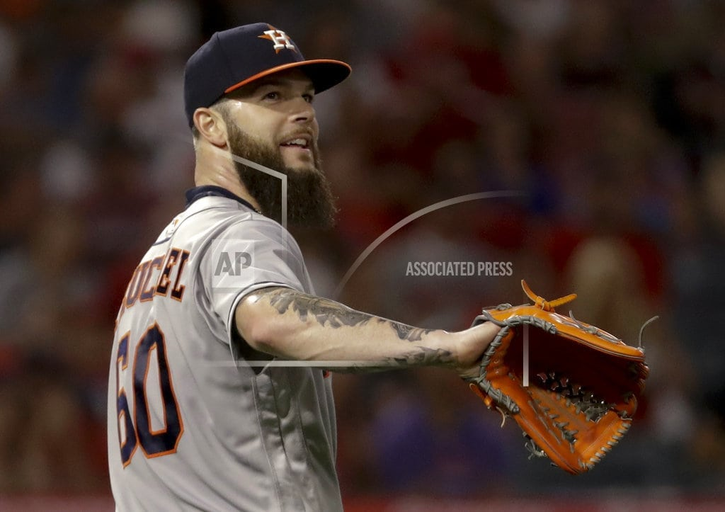 ANAHEIM, Calif. | Keuchel's no-hit bid ends in 7th on nearly-caught liner
