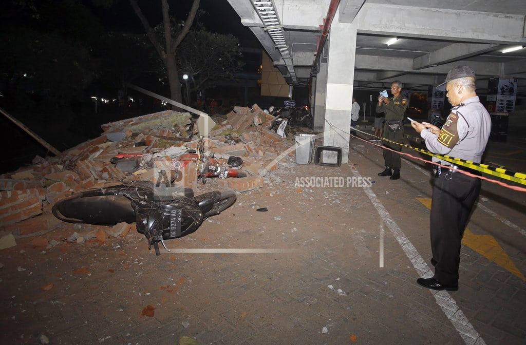 MATARAM, Indonesia | Powerful quake rocks Indonesia's Lombok island, 39 dead
