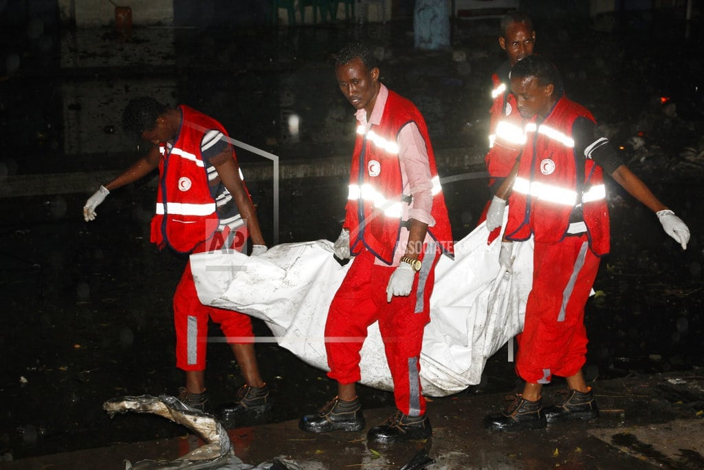 MOGADISHU, Somalia | 2 car bomb blasts kill 6 in Somalia