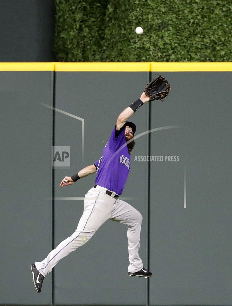 HOUSTON| Astros hit 5 homers to end skid with 12-1 win over Rockies
