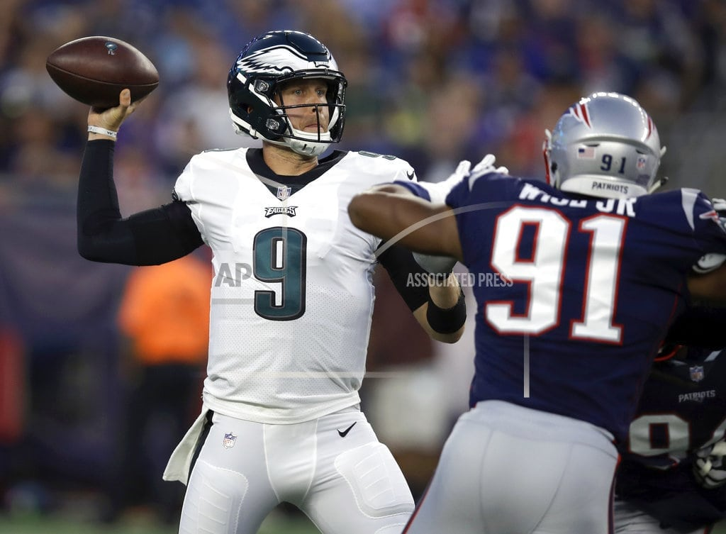 FOXBOROUGH, Mass. Foles leaves preseason game with shoulder strain