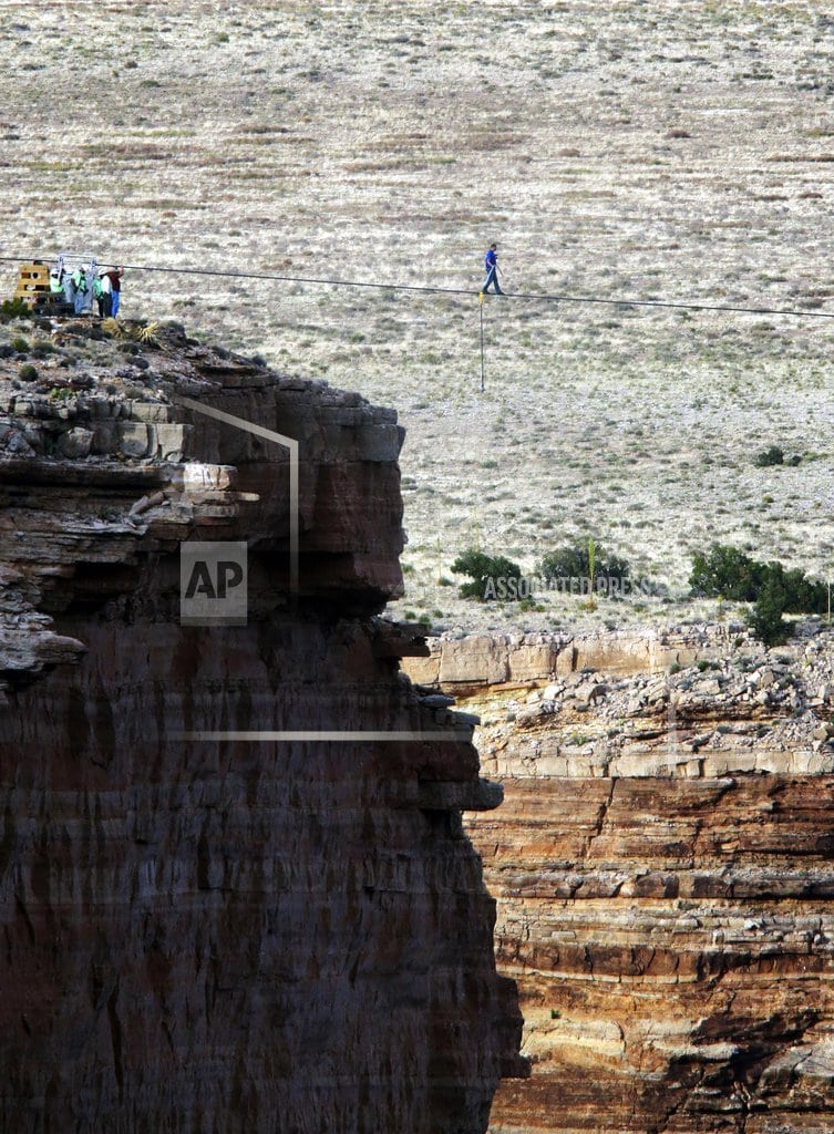 FLAGSTAFF, Ariz. | Latest stunt near Grand Canyon is a Will Smith bungee jump