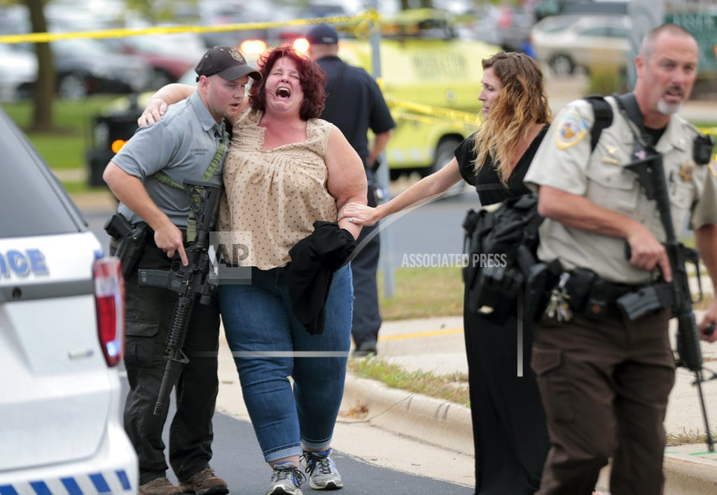 MIDDLETON, Wis   Police: 3 injured, suspect dead in Wisconsin office attack