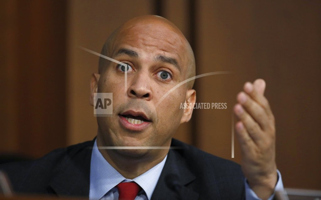 DES MOINES, Iowa | Eyeing White House, Cory Booker introduces himself to Iowa