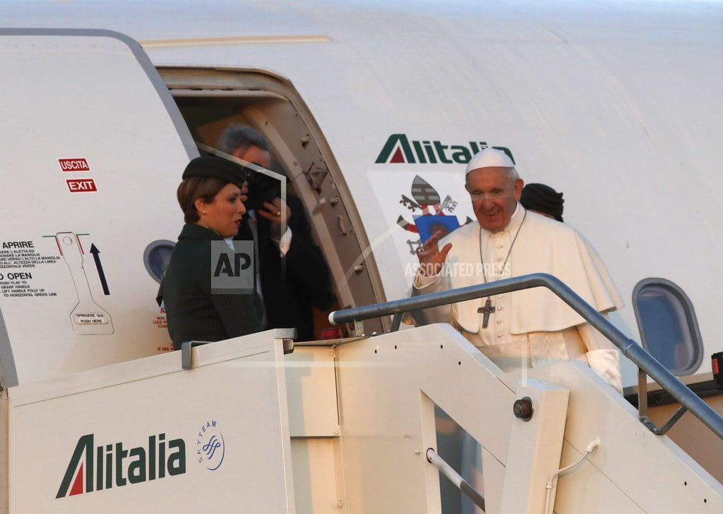 VILNIUS, Lithuania | The Latest: Pope Francis arrives in Lithuanian capital