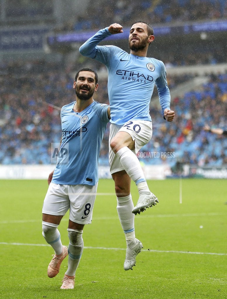 CARDIFF, Wales  | Aguero marks new deal with goal as City thrashes Cardiff 5-0