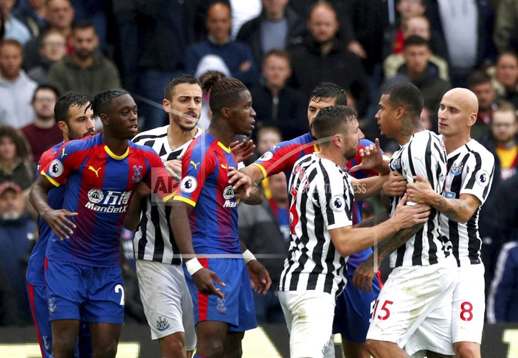 LONDON | Palace's Wan-Bissaka struck by bottle in Newcastle draw