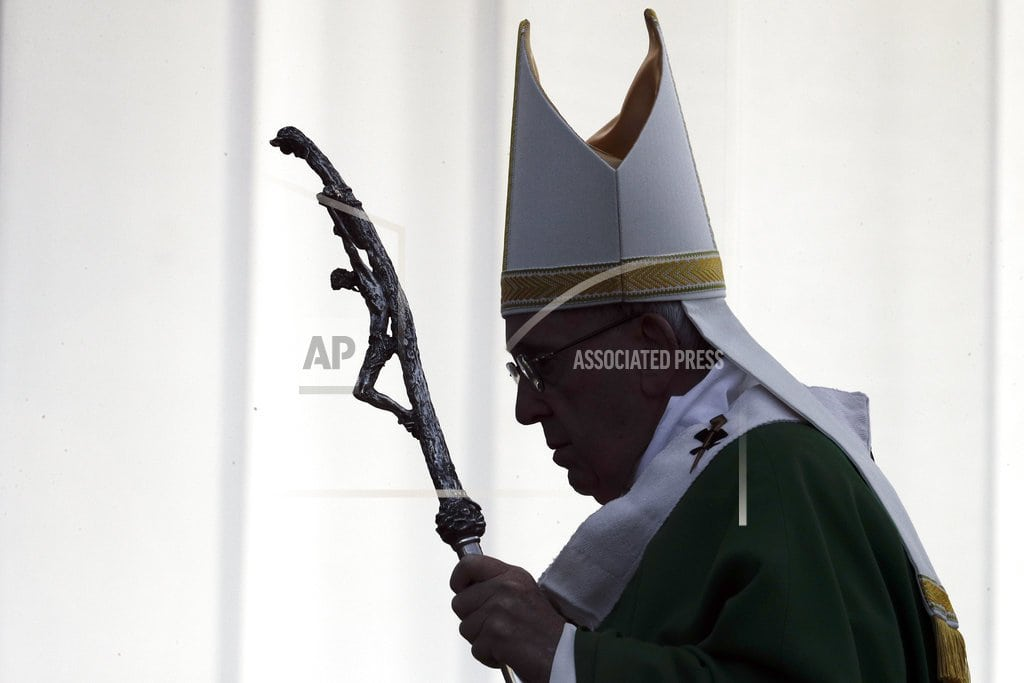 KAUNAS, Lithuania | The Latest: Pope warns Lithuanians about anti-Semitism