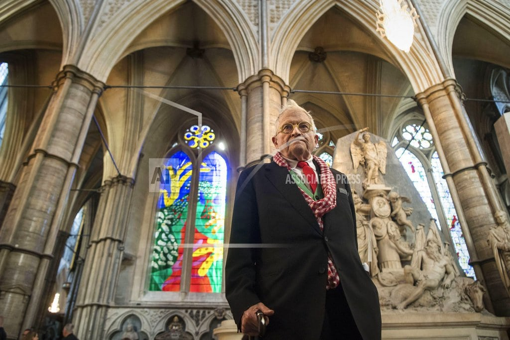 LONDON | Westminster Abbey gets Hockney-designed stained glass window