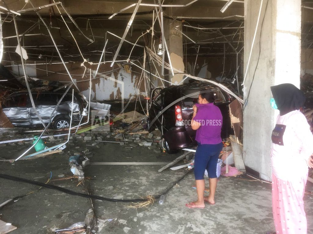 PALU, Indonesia | Indonesia tsunami toll tops 800 but expected to jump further