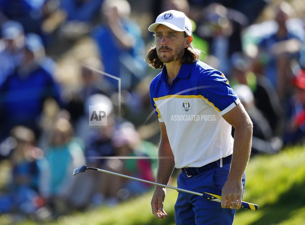 SAINT-QUENTIN-EN-YVELINES, France | The Latest: Fleetwood struggling without Molinari