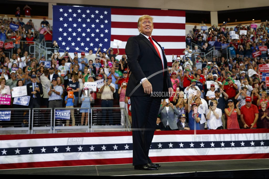 WASHINGTON | Mixing bravado and insults, Trump rallies delight supporters