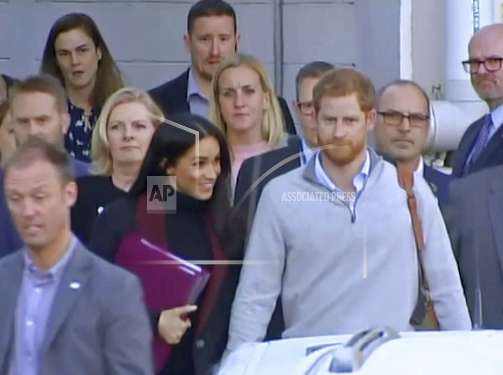 SYDNEY | Prince Harry and Meghan arrive in Sydney before 16-day tour