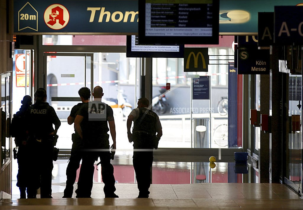 BERLIN | Police: So far no indication of IS link to Cologne attack