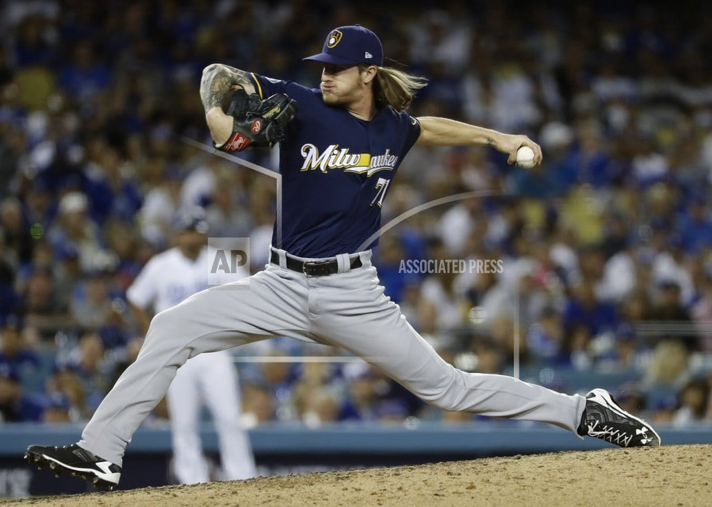 LOS ANGELES | Chacin, Brewers' bullpen blank Dodgers 4-0 for 2-1 NLCS lead