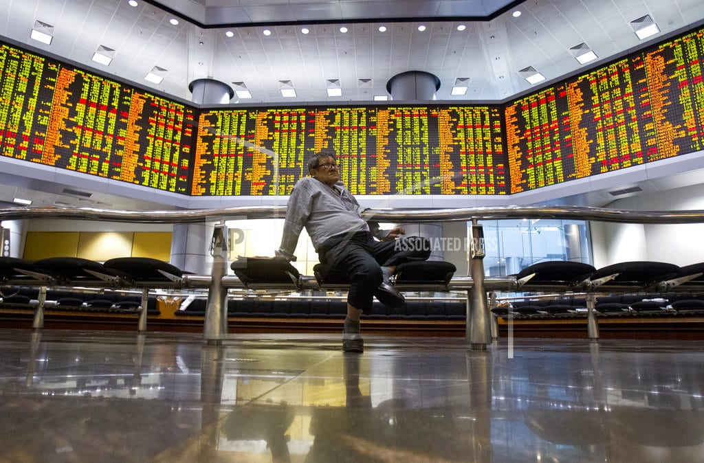 SINGAPORE | Asian shares gain, but inflation drags on Chinese benchmarks