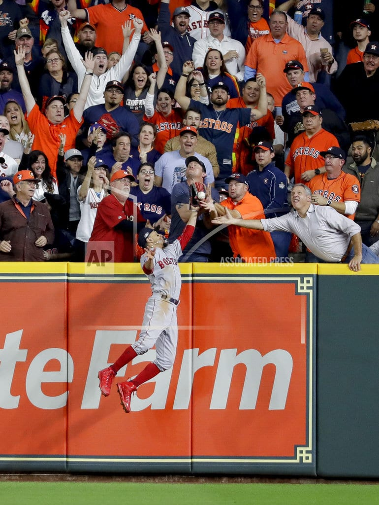 HOUSTON | Fan interference wipes out possible homer for Altuve in ALCS