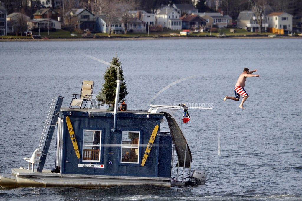 WASHINGTON   Wet and mild: Warm winter predicted for much of the US