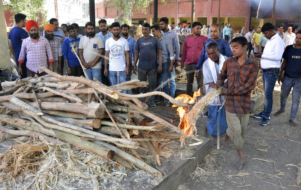 NEW DELHI   Ex-India state official: Most train victims migrant workers