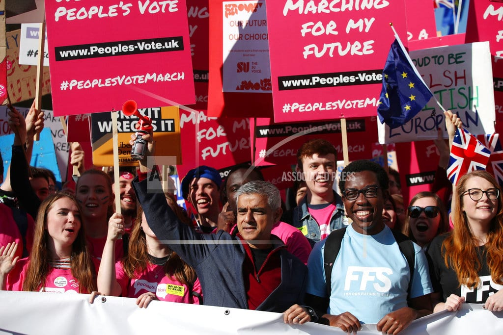 LONDON | Protesters march in London to demand new vote on Brexit