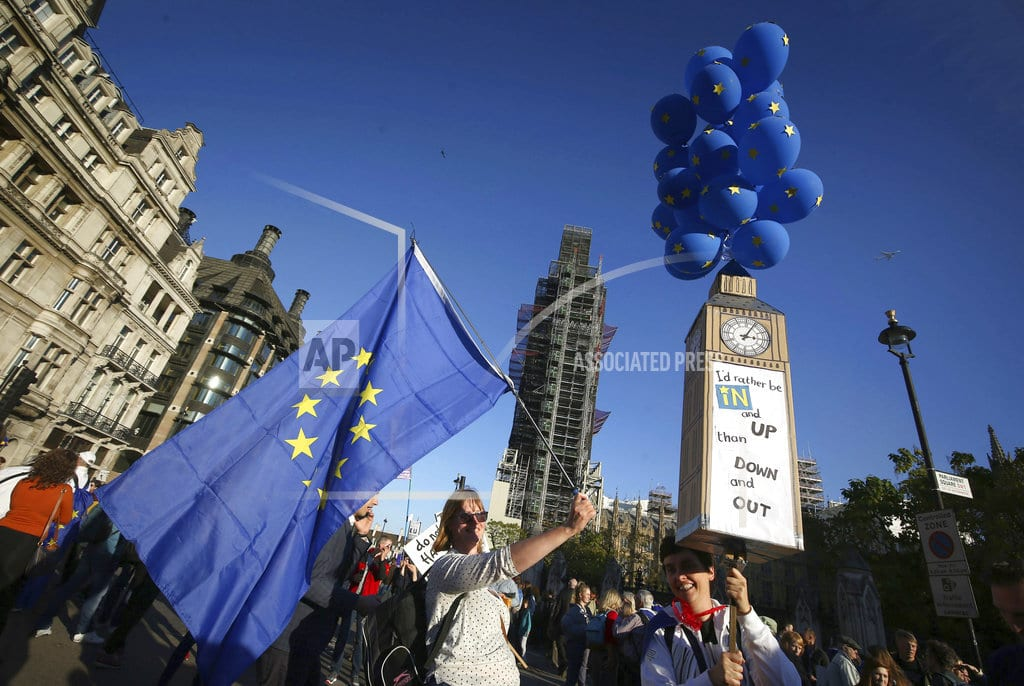 LONDON | Marchers clog streets of London to demand new Brexit vote