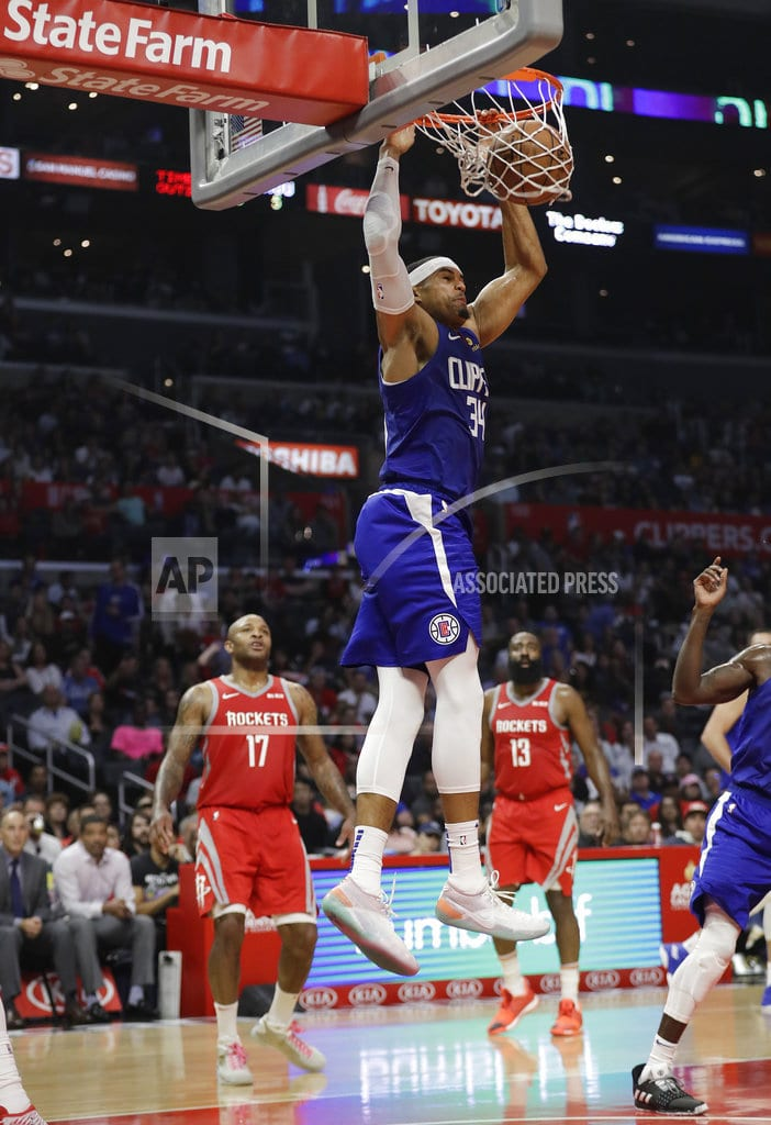 LOS ANGELES | Led by bench, Clippers hang on to beat Rockets 115-112