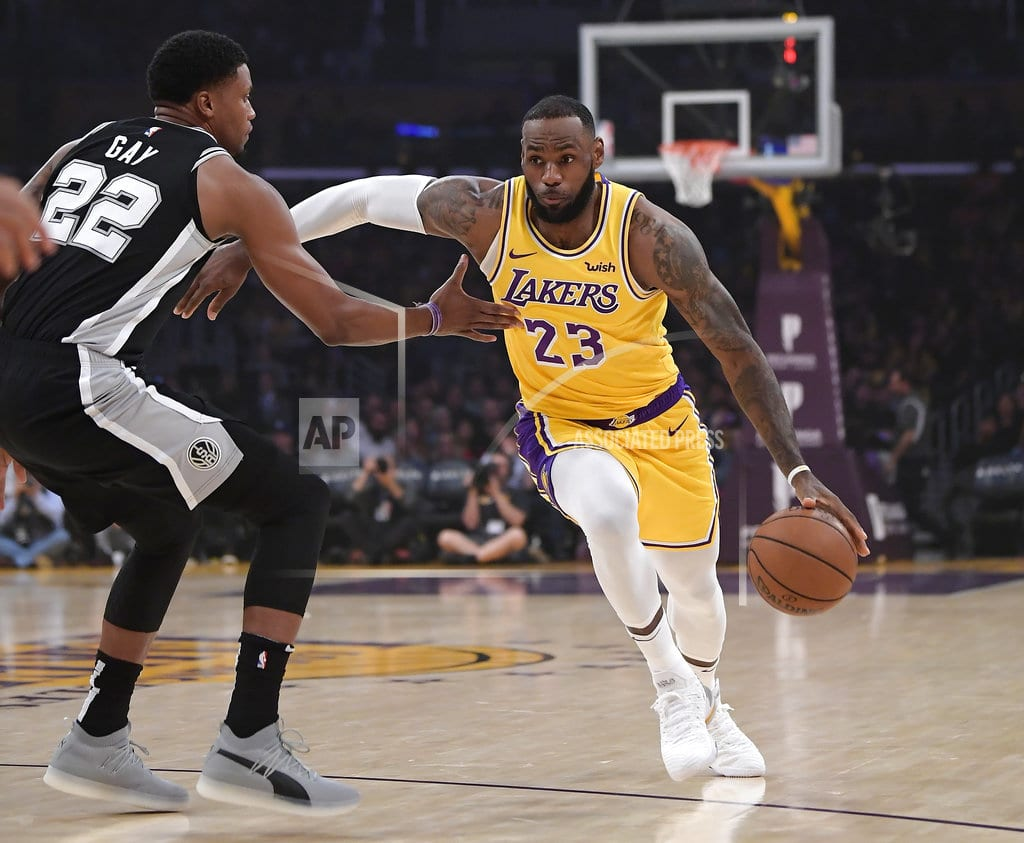 LOS ANGELES | Spurs rally to keep Lakers winless with LeBron, 143-142