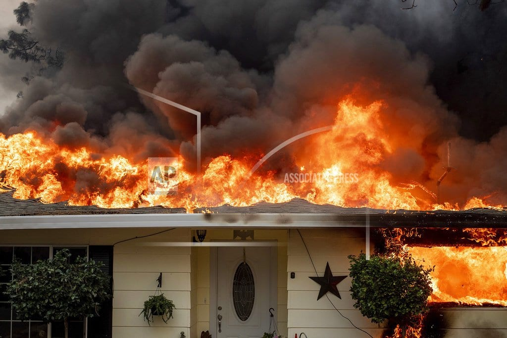 PARADISE, Calif | Dead in cars and homes: Northern California fire toll at 29