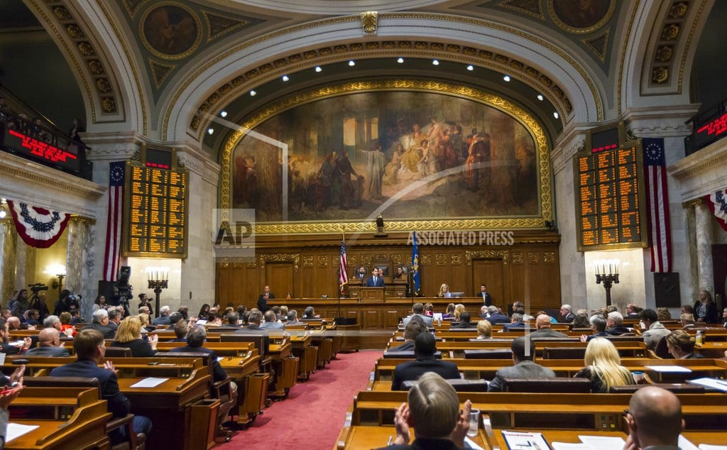 LANSING, Mich. | GOP seeks last-ditch laws in states where its power slipped