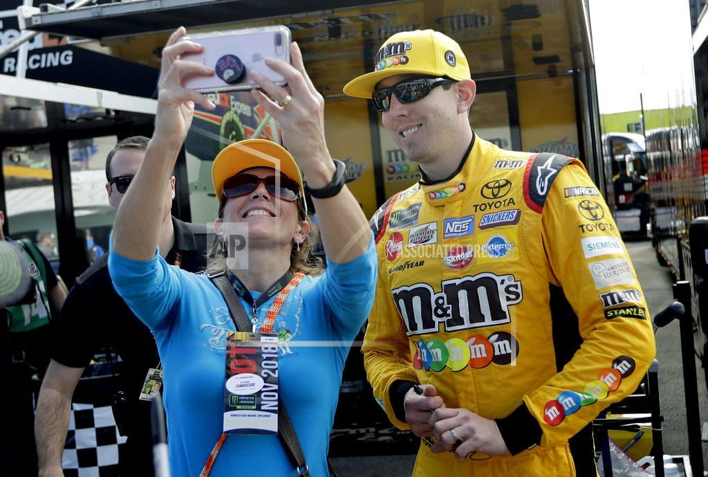 HOMESTEAD, Fla. | Championship driver Busch takes top pit stall from Hamlin