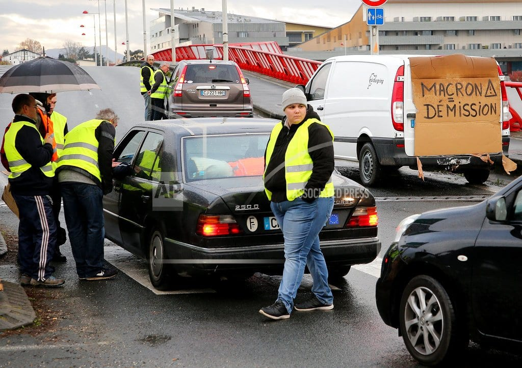 PARIS | Minister says 409 injured in gas tax protests around France