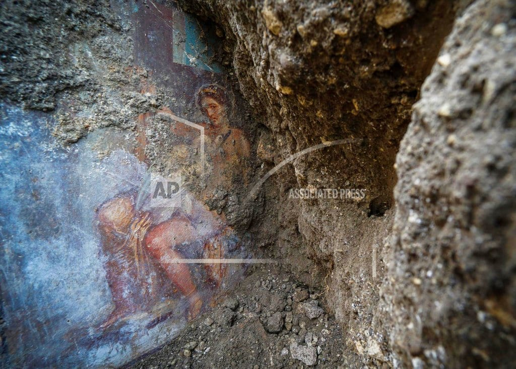 ROME | Sensual goddess fresco discovered in ancient Pompeii bedroom