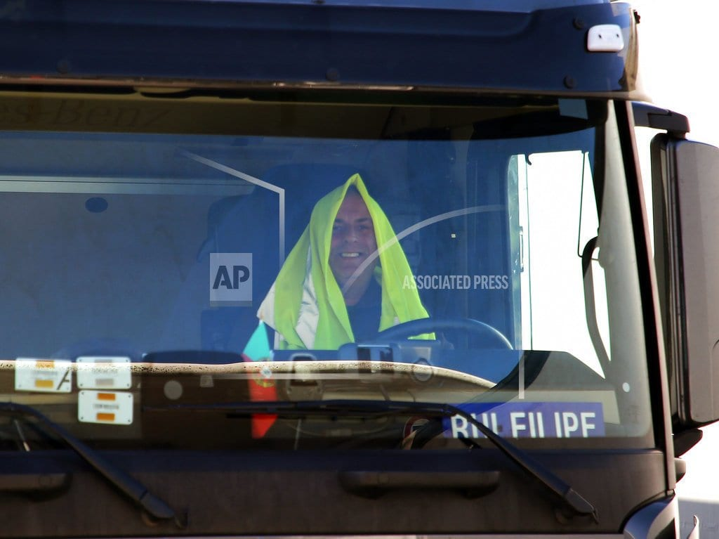 PARIS | French drivers block oil depots to protest fuel price hikes