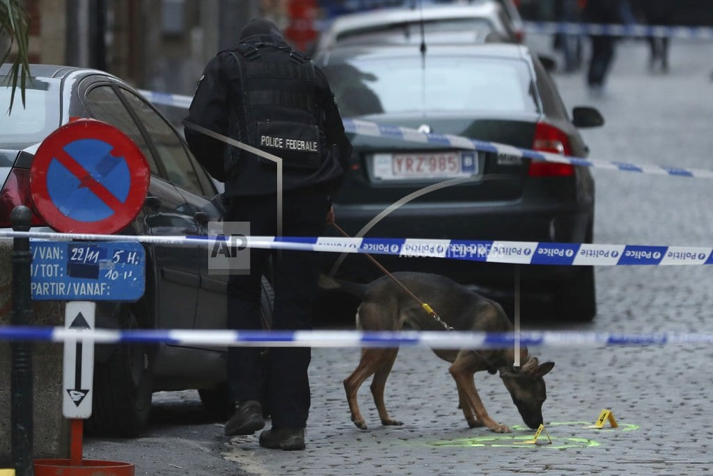 BRUSSELS | Attacker shot after stabbing policeman in Brussels
