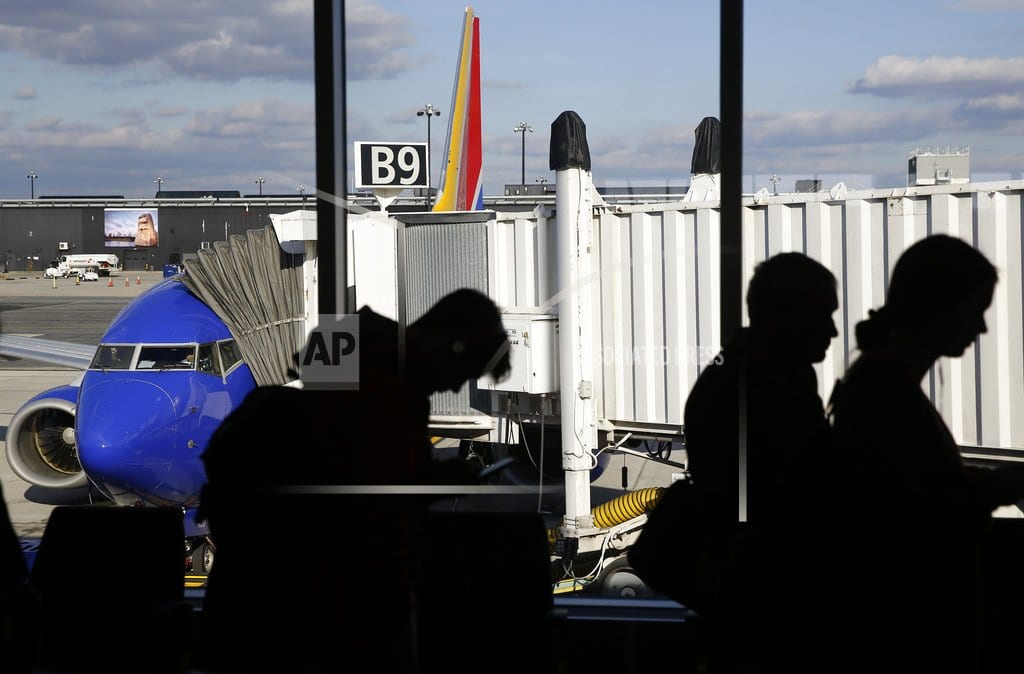 Thanksgiving air-travel rush gets off to a good start