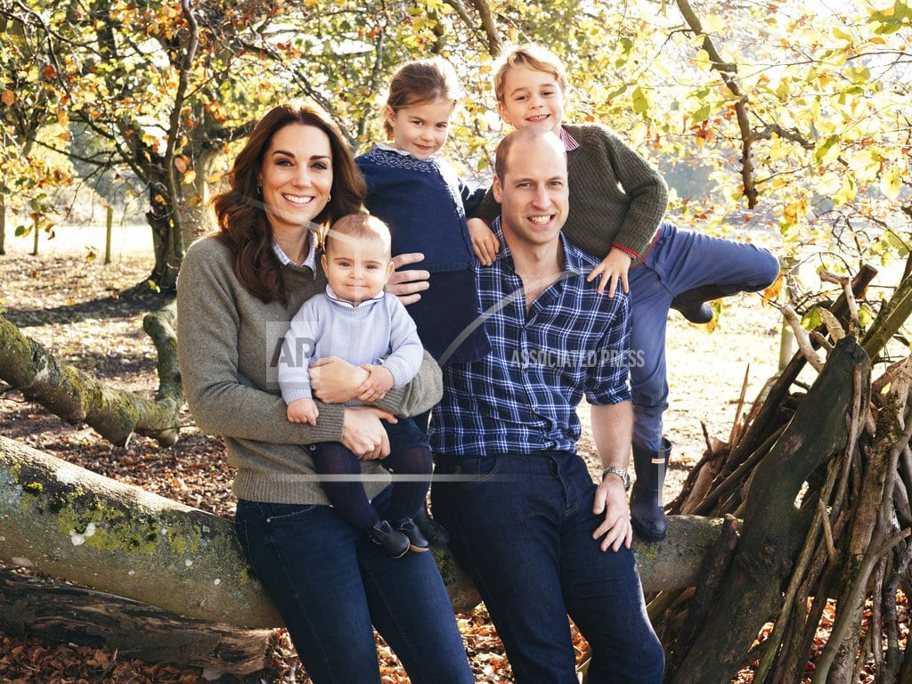 LONDON | Royals reveal the images on their Christmas cards