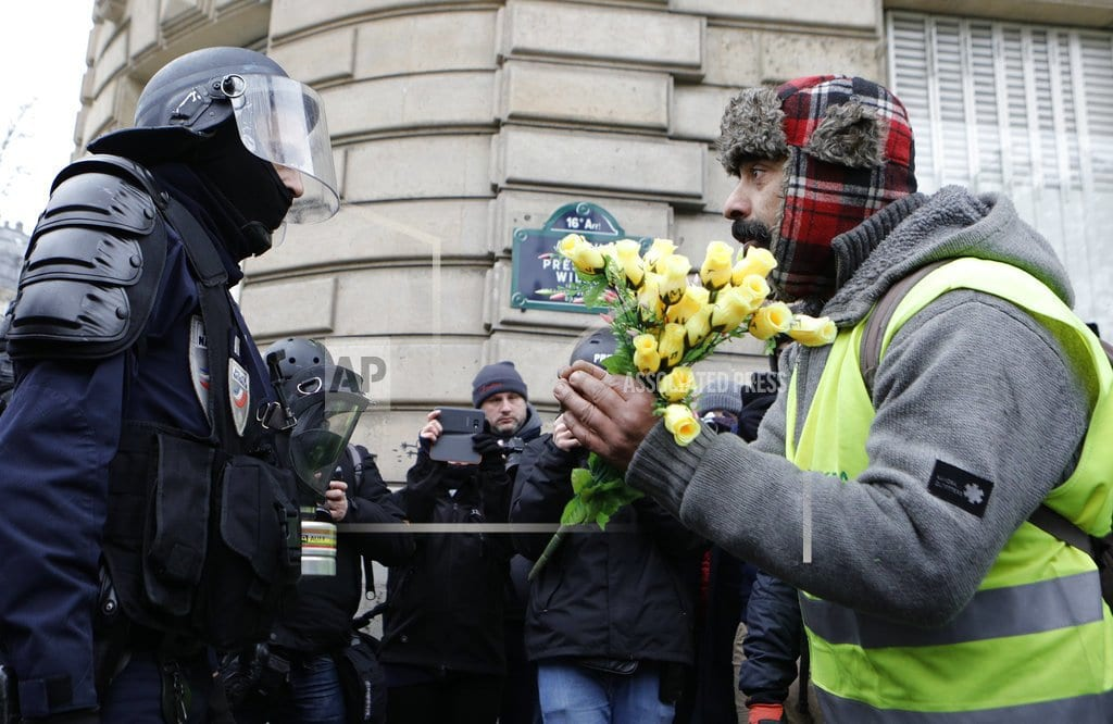 PARIS | The Latest: Scuffles in Paris during 'yellow vest' protest