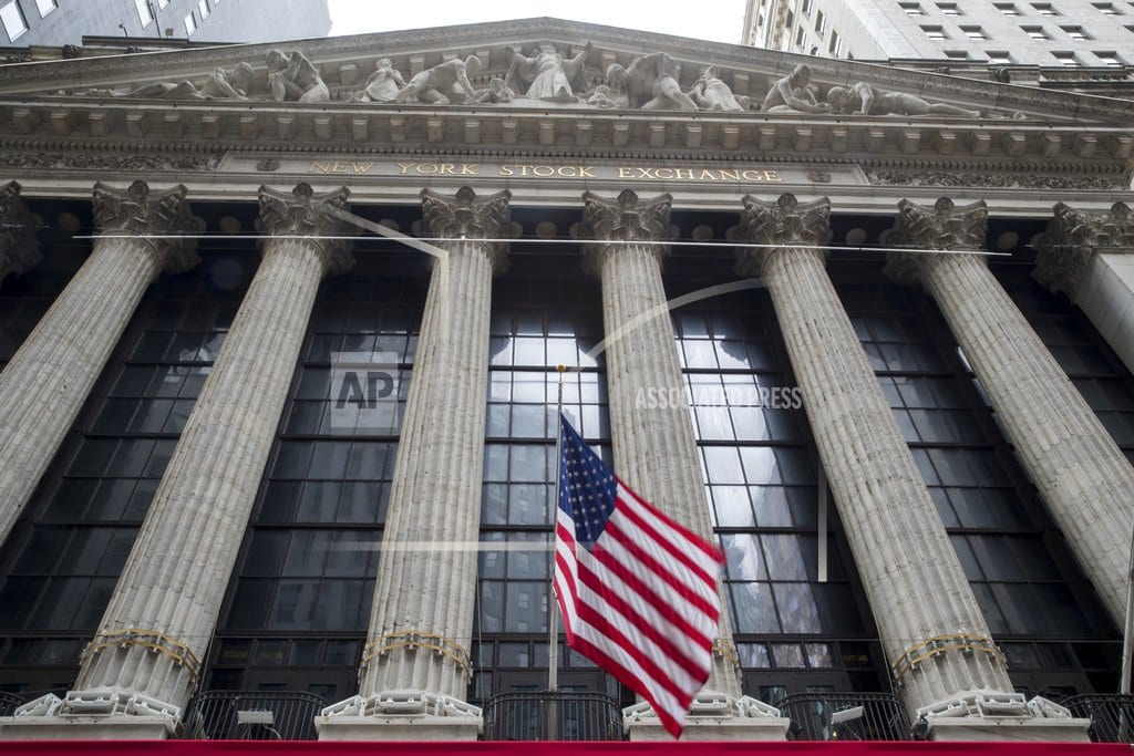 NEW YORK | US stocks claw back some of their big losses; oil slides