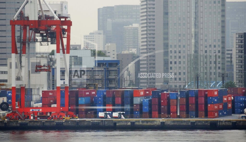 TOKYO  | Japan exports sink 3.8 pct in Dec, hit by China slowdown