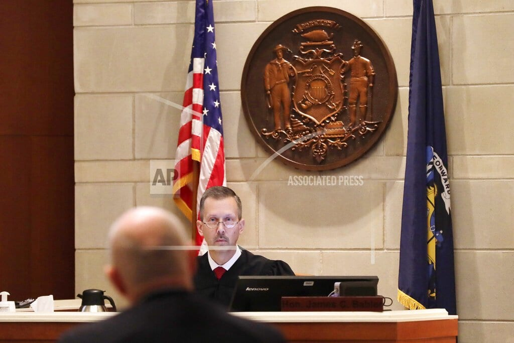 MADISON, Wis | Kidnap suspect's lawyers: Confession problematic for defense
