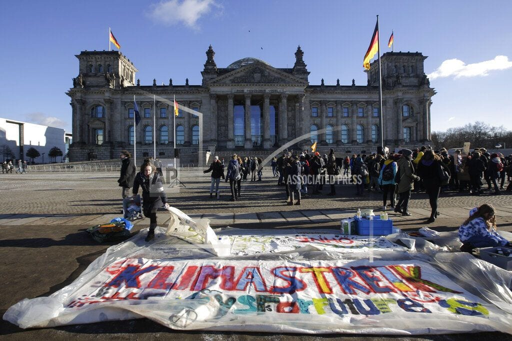 BERLIN | Swiss, German students protest inaction on climate change