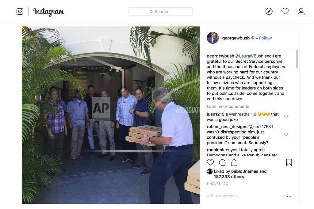 DALLAS | George W. Bush treats Secret Service detail to pizza