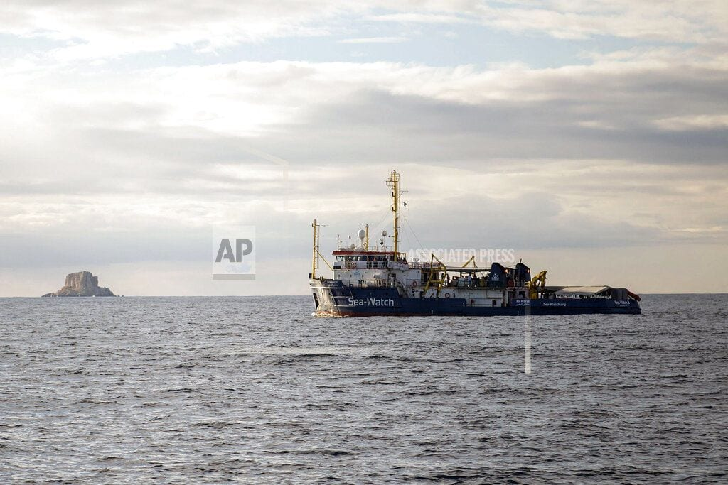 ROME | Boat with migrants rescued off Libya looks for port to dock