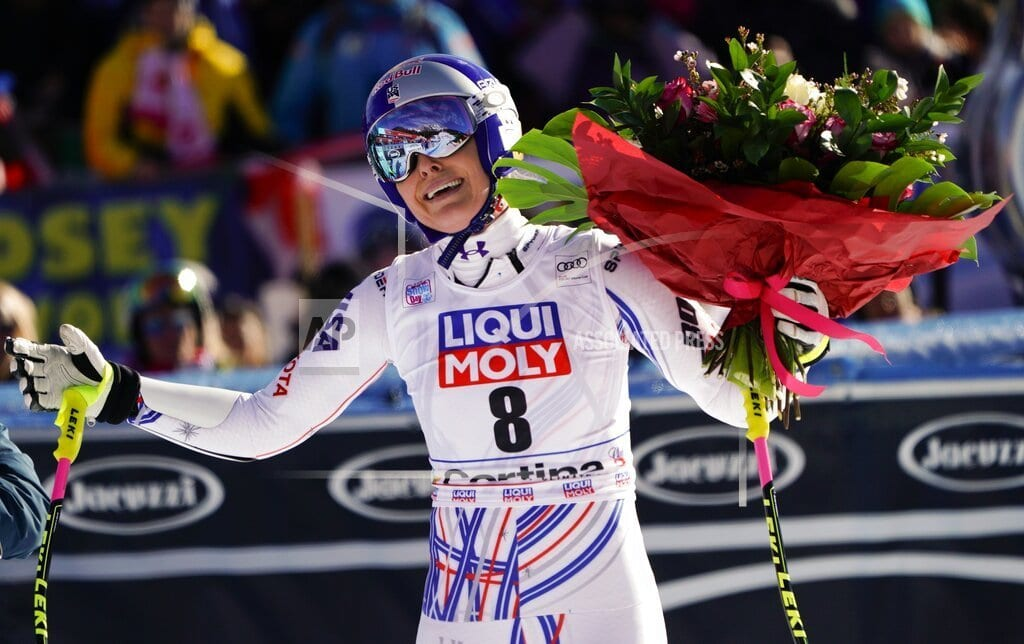 CORTINA D'AMPEZZO, Italy | Shiffrin shows she's ready to take over from Vonn
