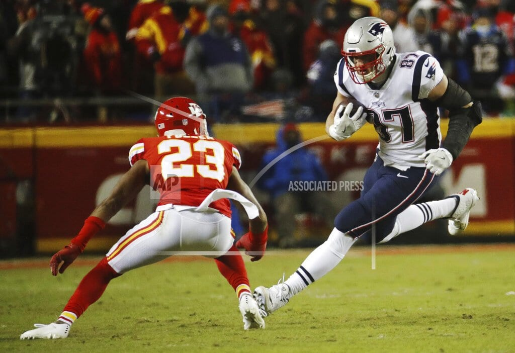 FOXBOROUGH, Mass | After tough year, Gronk coming alive at right time for Pats
