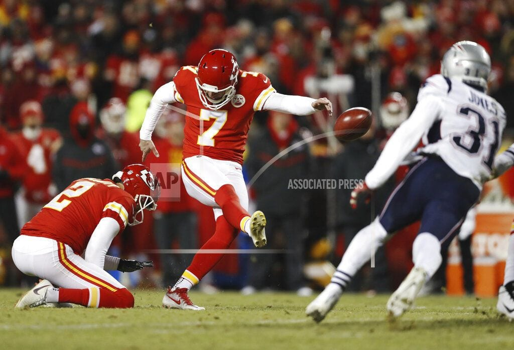 KANSAS CITY, Mo   Chiefs' defense collapses in 37-31 OT loss to Patriots