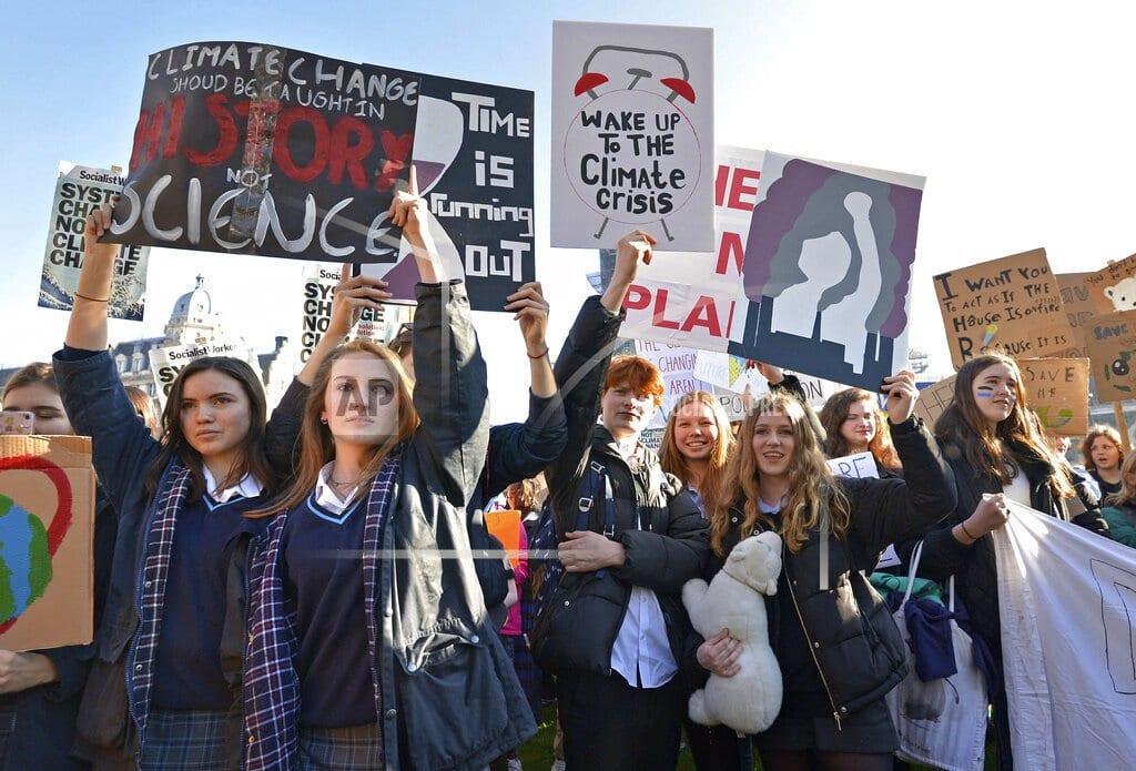 LONDON | UK students protest lack of action on climate change