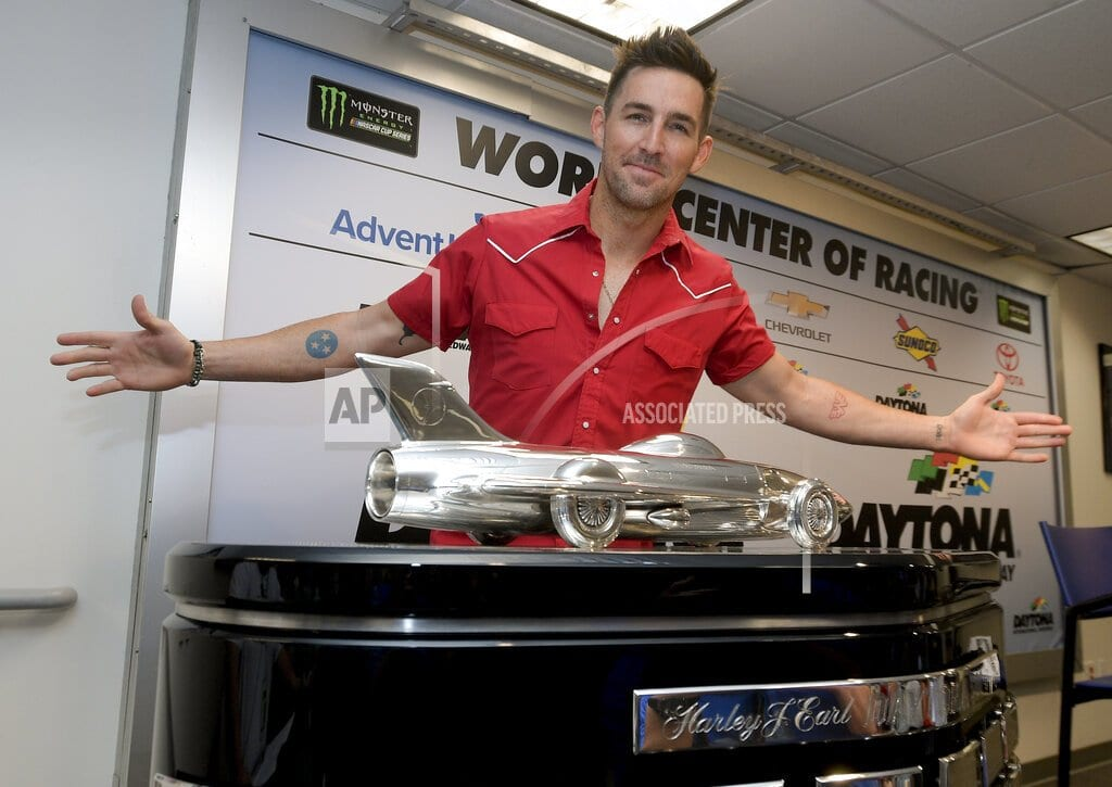 The Latest: JGR, Fox Sports pay tribute to J.D. Gibbs in 500