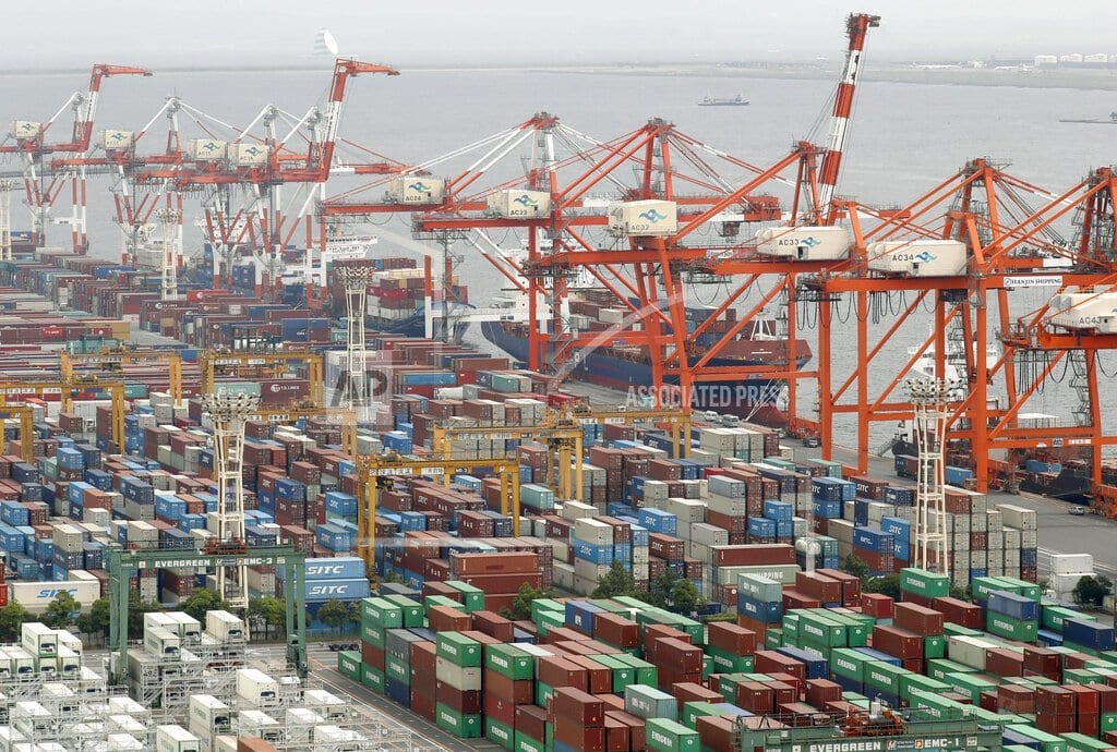 TOKYO | Japan trade deficit highest in 5 yrs, hit by China doldrums